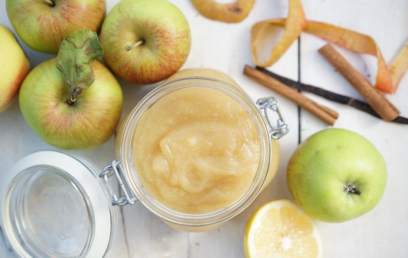 Apfelmus selbst gemacht im Einmachglas