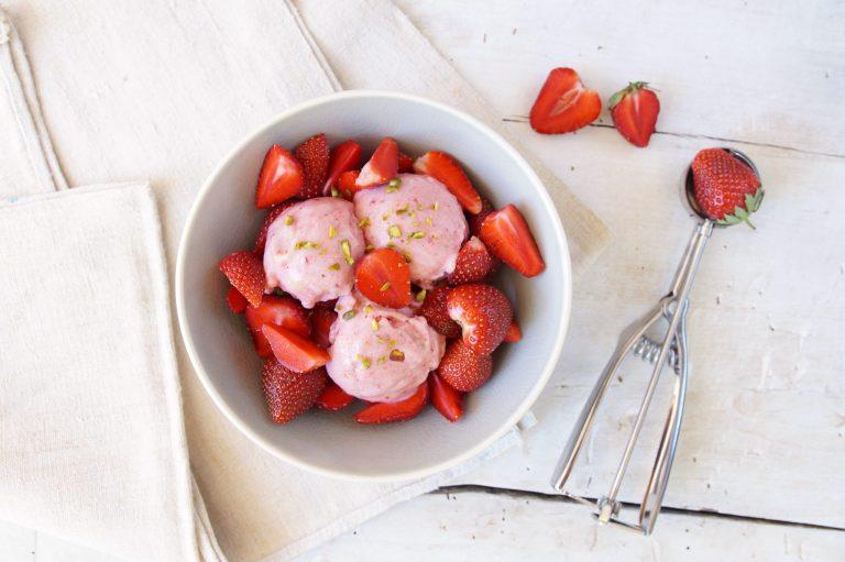 Nicecream mit Erdbeeren